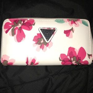 White floral guess wallet